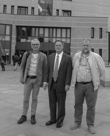 3 ottobre 2018, Alberto Peruffo, Robert Bilott e Diego Meggiolaro davanti alla Procura di Vicenza